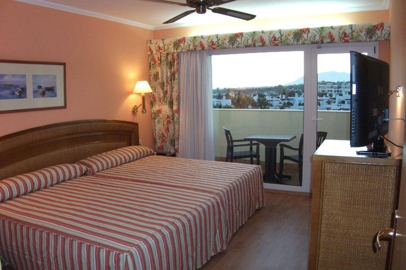 Habitaciones marbella senator marbella spa hotel web for Hotel habitacion familiar ibiza