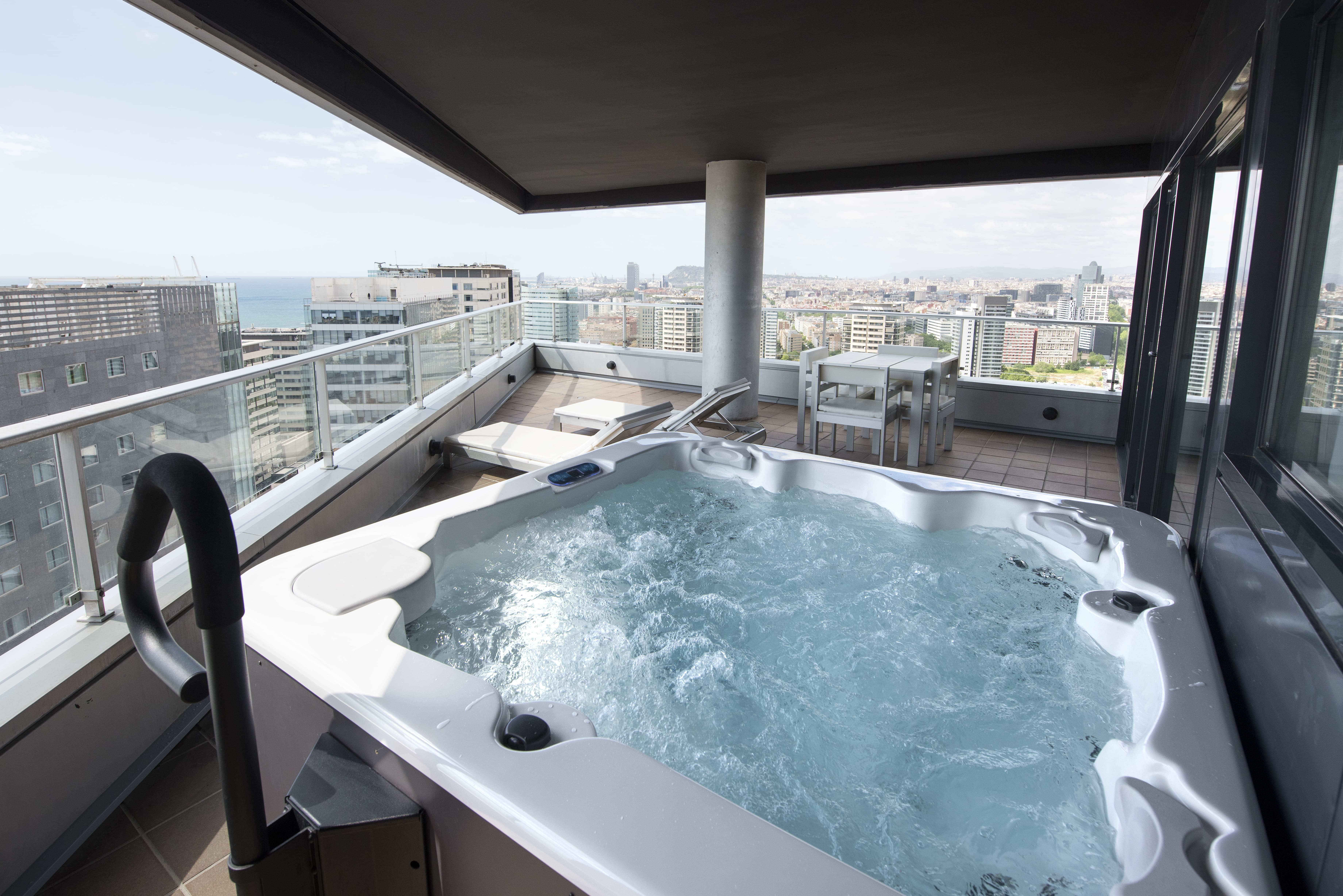 Master Suite with Jacuzzi on the Terrace