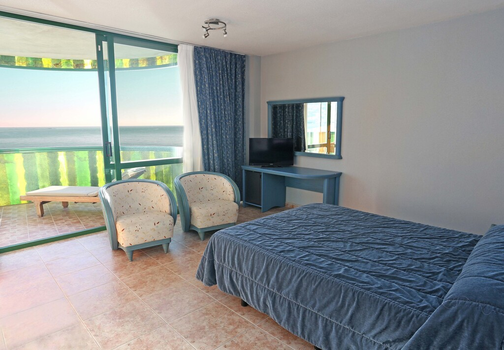 Junior Suite with Terrace sea view