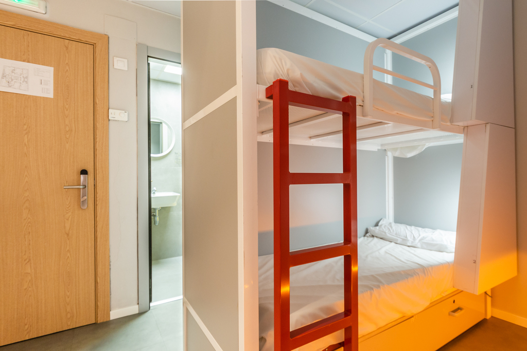 Bed in mixed dormitory room to share (3 beds)