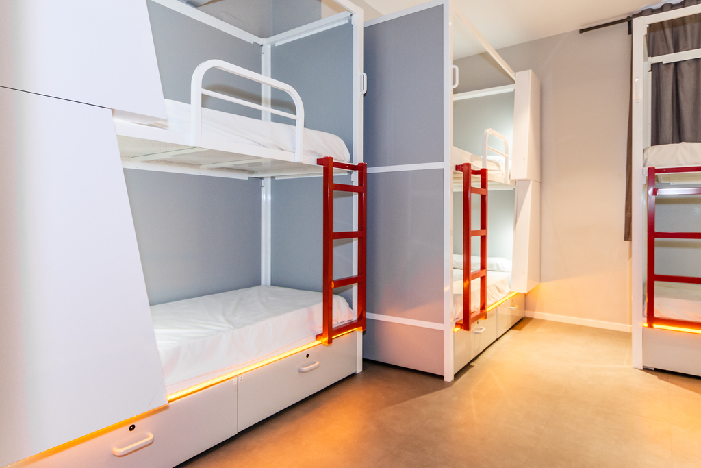 Bed in mixed dormitory room to share (8 beds)