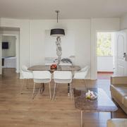 Appartamento con 2 camere da letto con cucina vista mare