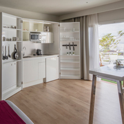 Studio with kitchen sea view