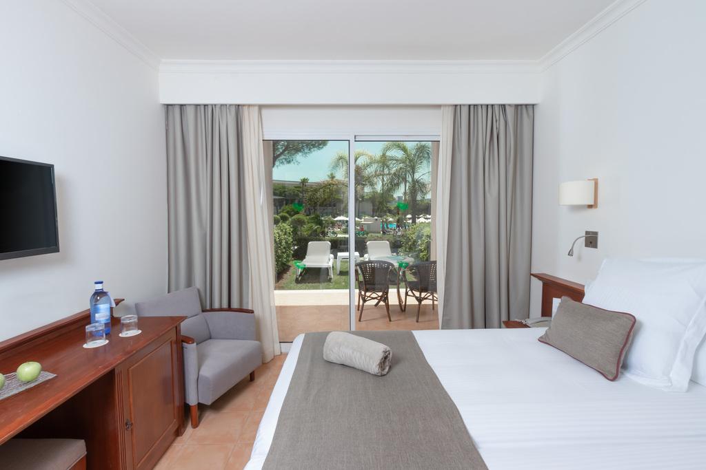 Standard Room with Garden