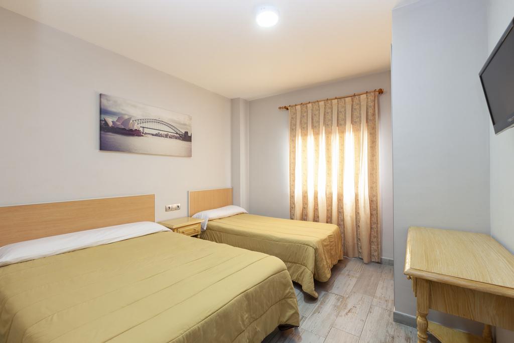 Triple (2 beds)