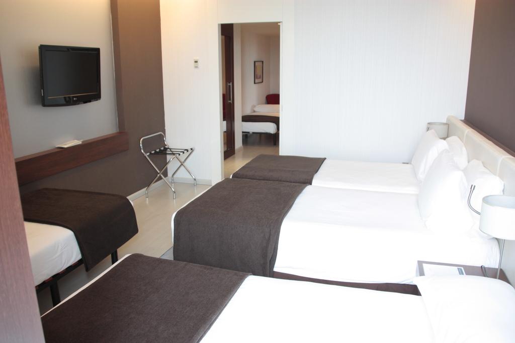 Fivefold room