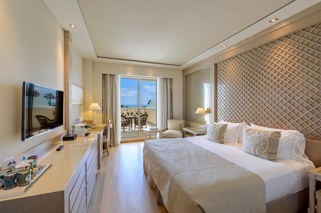 Chambre familial Deluxe (Terrasse vue sur la Mer)