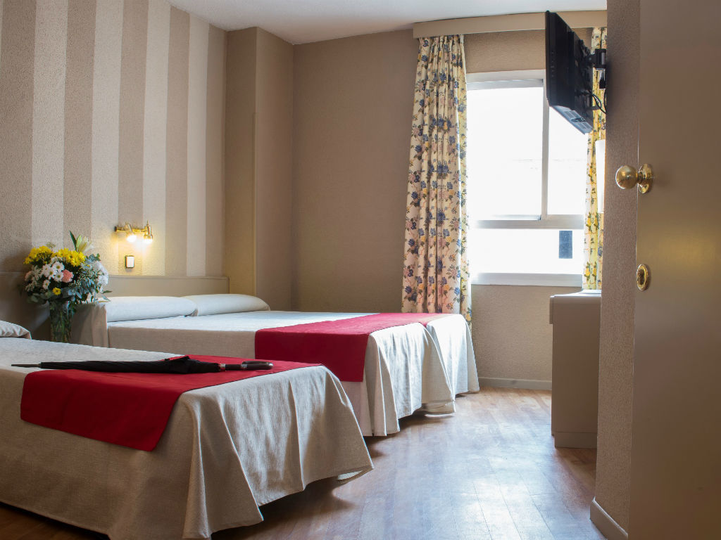 Семейный номер (2 комнаты)
