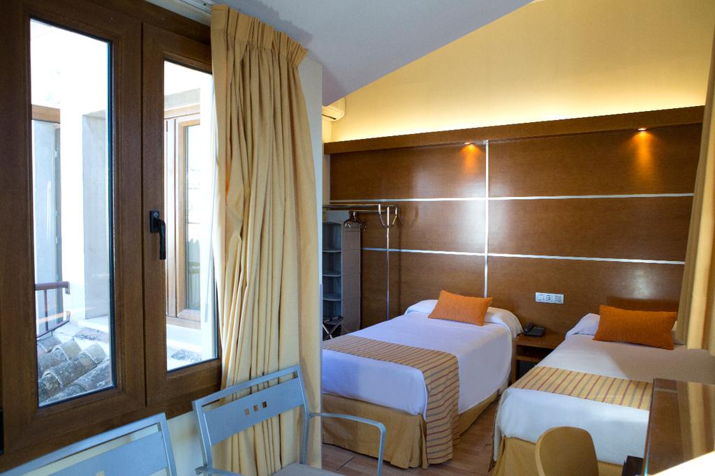 Habitación doble con vistas a la Catedral- 2 camas