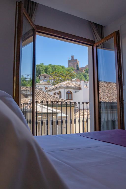 Premium Alhambra with Jacuzzi
