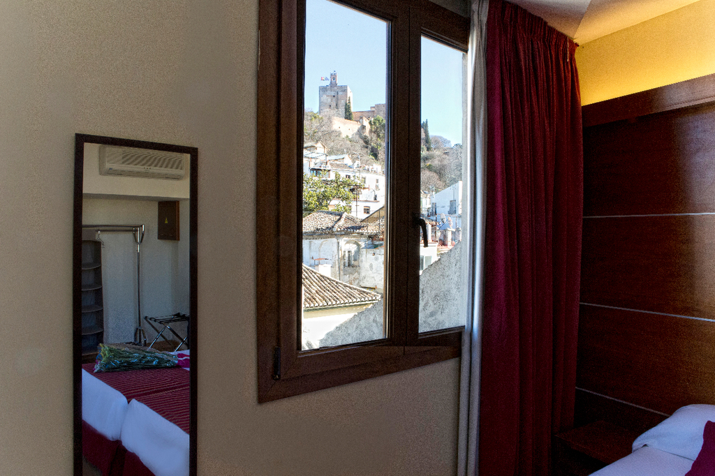 Habitación doble con vistas a La Alhambra- 2 camas