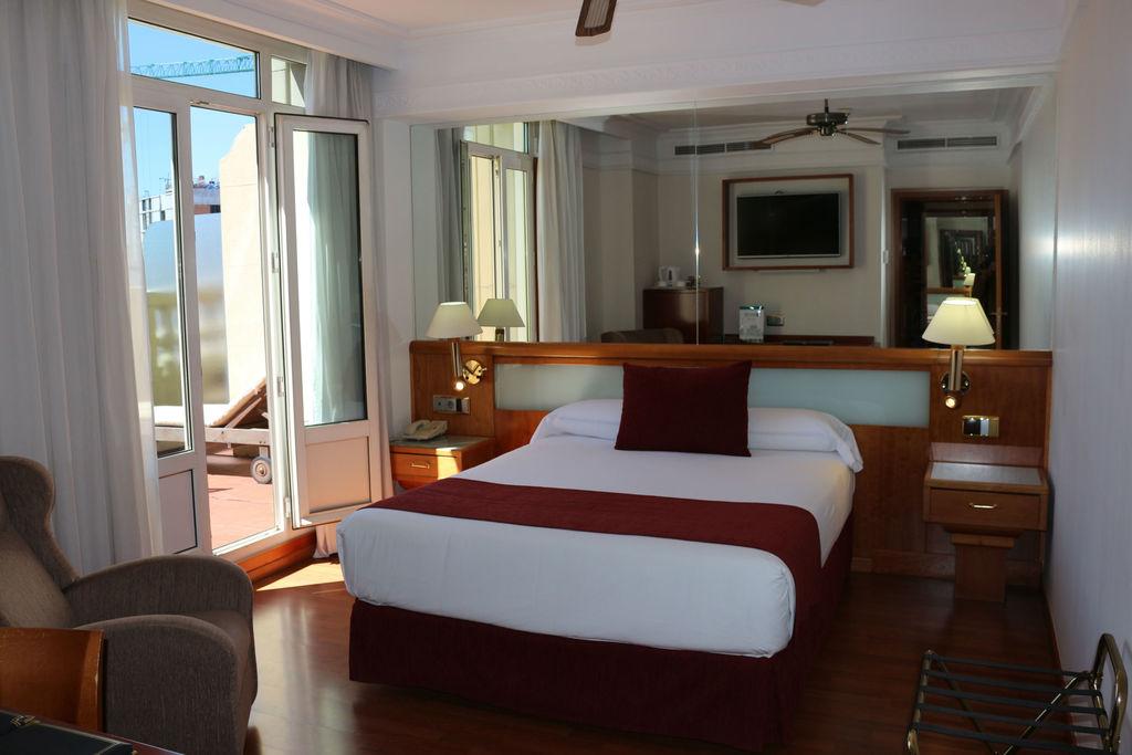Gran Via Terrace room