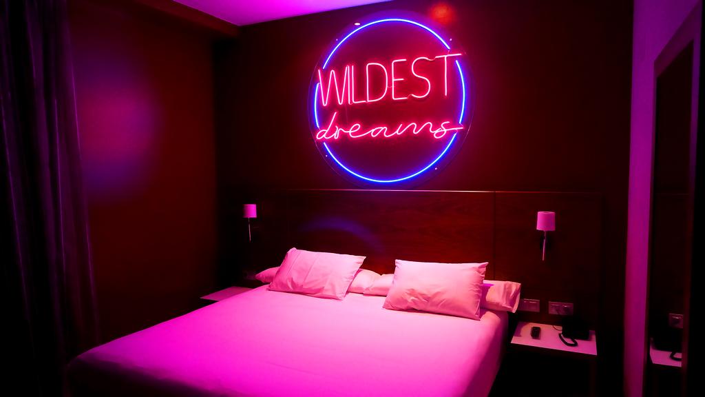 Neon Love Room