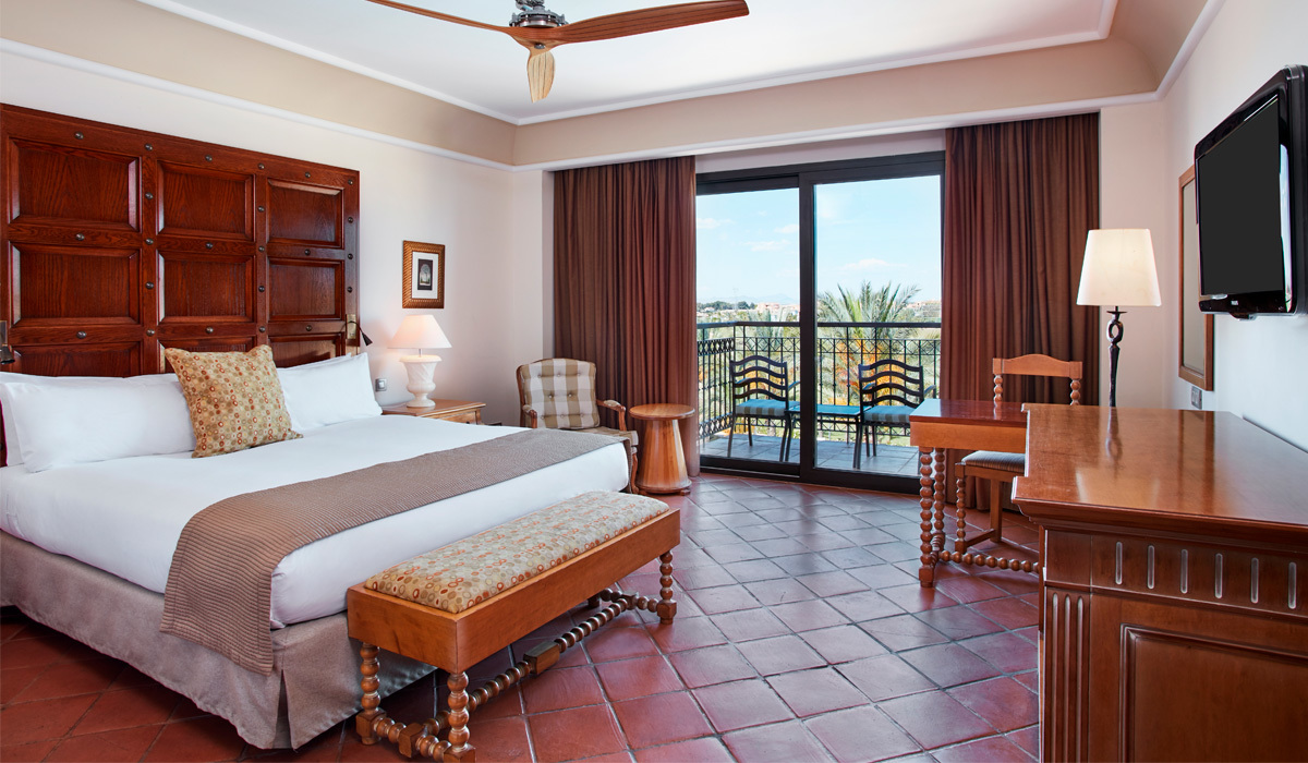 King Size Deluxe Double Room with Pool View