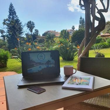 Digital Nomads - Botanical Garden Office