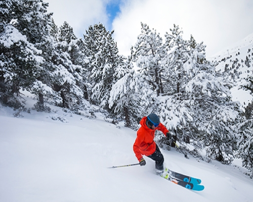 Weekend: apartment + ski pass + classes + menu