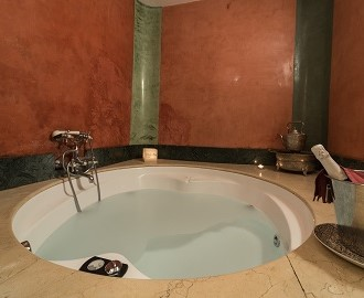 SPECIAL JACUZZI ROOM SUNDAY TO FRIDAY